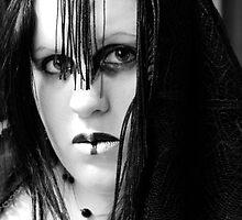 Raven BW by faythofdespair