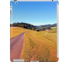 Country road with scenery | landscape photography iPad Case/Skin