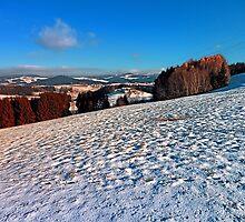 Hiking through winter wonderland II | landscape photography by Patrick Jobst