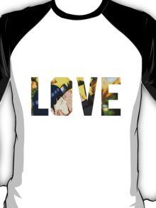 Naruto and Hinata - Love  T-Shirt