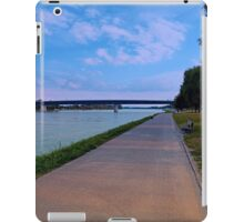 Esplanade on the banks of the river | waterscape photography iPad Case/Skin