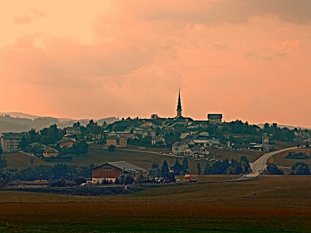 Hazy scenery with beautiful village skyline | landscape photography by Patrick Jobst