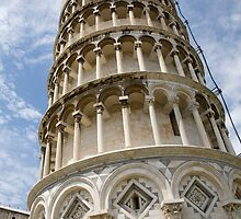 Leaning tower of pisa, Italy. by Ian Middleton