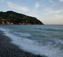 levanto beach, italy by Ian Middleton