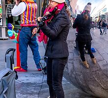 Two buskers, one reflection, many colours by indiafrank