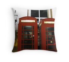 ENGLISH TELEPHONE BOXES Throw Pillow
