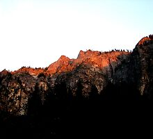 The Last Alpenglow by Chris Gudger