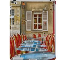 Café in Versailles iPad Case/Skin