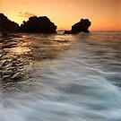 Morning Waves by RichardIsik