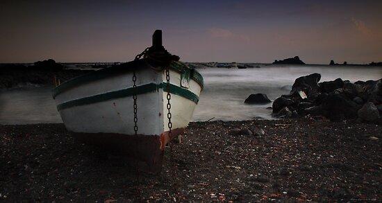 In attesa di riprendere il mare by Andrea Rapisarda