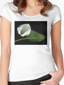 Calla and Leaf Women's Fitted Scoop T-Shirt