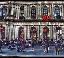 Melbourne's famous general post office by visualimagery