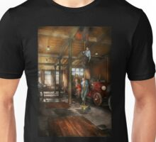 Firemen - Answering the firebell 1922 Unisex T-Shirt