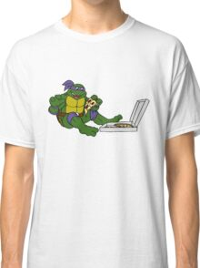 TMNT - Donatello with Pizza Classic T-Shirt