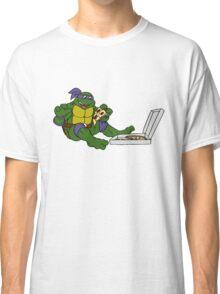 TMNT - Donatello with Pizza Classic T-Shirt