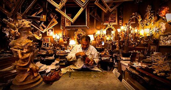 Venetian Kleptomaniac Carpenter by igotmeacanon