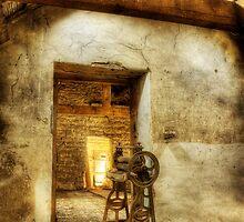 Mangled Barn by MartinWilliams