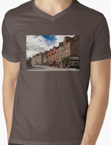 The Lawnmarket Mens V-Neck T-Shirt