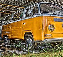HDR Orange Volkswagen mini van by benbdprod