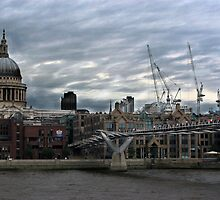 St Pauls Cathedral by Pete Simmonds