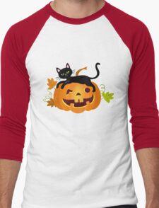 Black cat lying on a pumpkin. Halloween. Men's Baseball ¾ T-Shirt