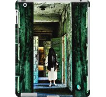 Creepy House Fine Art Print iPad Case/Skin