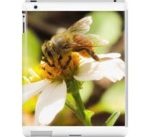 Bee on Beggar's Tick  iPad Case/Skin