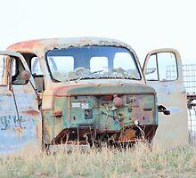 Rusty Truck by RawDust