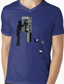 Soo thts HOw the PHONe Works Mens V-Neck T-Shirt
