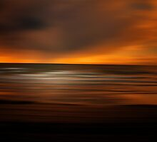SUNSET DREAMS WHILE THE OCEAN SLEEPS by leonie7