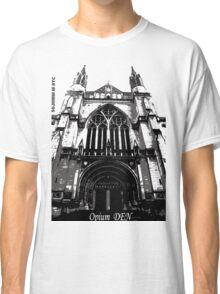 opium den Classic T-Shirt