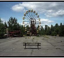 Ferris Wheel  by cyrilbitton