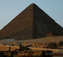 Pyramid of Khufu by warriorprincess