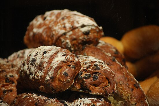 Bread, Beautiful Bread... by Carol Clifford