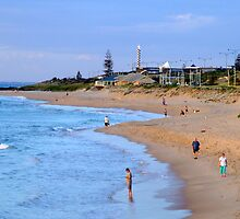 Back Beach, Bunbury, Western Australia by Maureen Smith