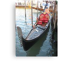Una Gondola a Venezia Canvas Print