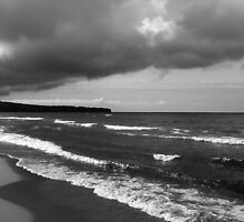 Lake Superior storm clouds by jrier
