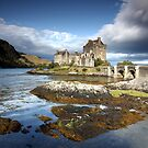 Eilean Castle - Scotland by Manuel Gonçalves