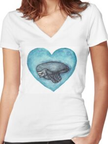 Xenomorph Love Women's Fitted V-Neck T-Shirt