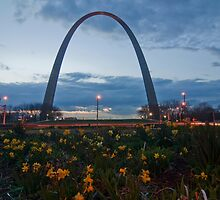 Gateway Arch with flowers in the foreground. by Sven Brogren