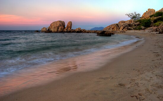 The Sunset Colours of Horseshoe Bay by Janette Rodgers