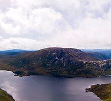 Cradle Mountain Panorama by Simon Fallon
