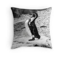 'It's the way i tell 'em!' Throw Pillow