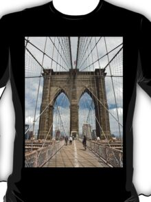 Brooklyn Bridge, Manhattan, New York, USA T-Shirt