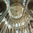 Cathedrale St-Gervais/St-Protais by Chris Tarling