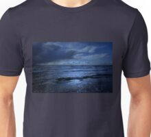 BLUE WINDS BLOWING IN ON THE OCEAN Unisex T-Shirt