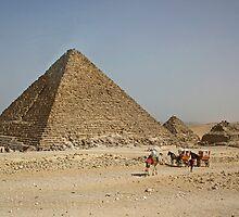 Pyramid of Menkaure by Tom Gomez