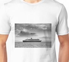 Queen Mary 2 mono Unisex T-Shirt