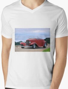 1932 Ford 'Classic Hot Rod' Roadster Mens V-Neck T-Shirt