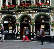 Deacon Brodies Tavern (Edinburgh) by Richard Hanley www.scotland-postcards.com